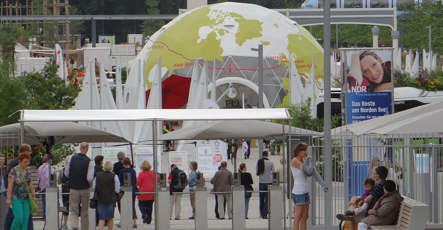 "The International Building Exhibition and its ""Climate Protection Concept Renewable Wilhelmsburg"", Hamburg, Germany"