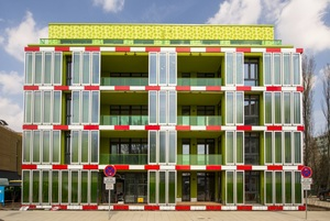 "Algae House ""BIQ"" to produce biomass within tbioreactors at the façade"